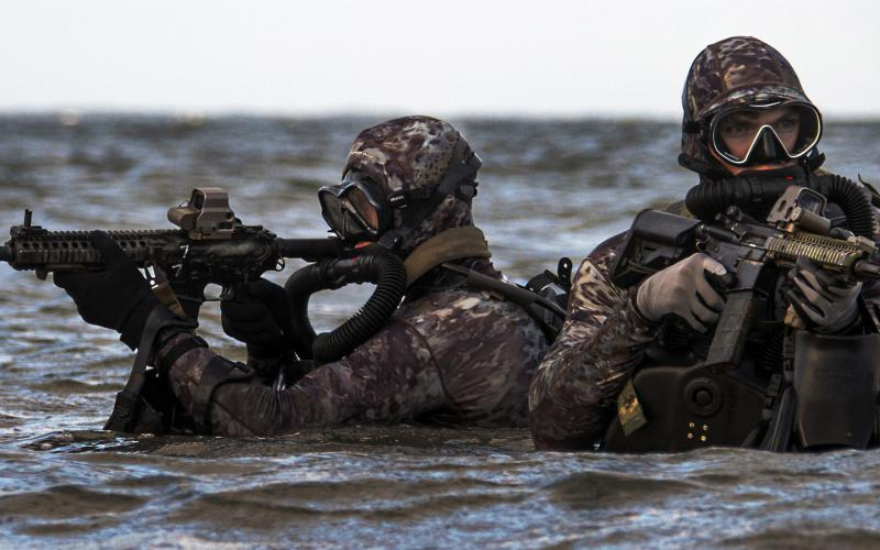 Navy SEALs conduct train in the Atlantic Ocean, May 29, 2019. Navy Special Warfare Command expects artificial intelligence to augment the human weapon system as well as unmanned systems. Credit: Navy Senior Chief Petty Officer Jayme Pastoric