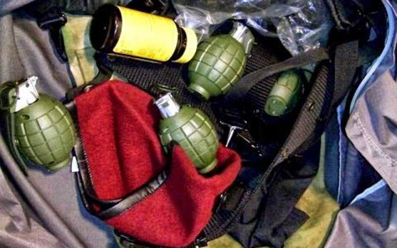 Replica grenades used as part of a Halloween costume discovered in a checked bag at Alaska airport.
