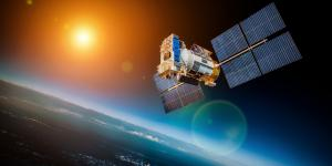 The Army's Integrated Tactical Network will leverage emerging mid-earth-orbit satellite communications, among other advanced technologies.  Shutterstock/Andrey Armyagov/NASA