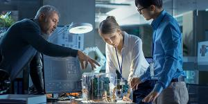 The intelligence community is stepping up its use of contract vehicles and partnerships with industry as part of its R&D cycles to bring in more innovative technologies. Credit: Shutterstock/Gorodenkoff