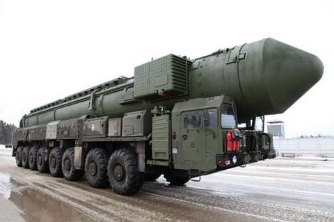 Russian Topol-M ballistic missile. Russia and China have the capability to fit ballistic missiles with maneuverable reentry vehicle warheads capable of shifting course in flight. Photo by Vitaly V. Kuzmin, via Wikicommons.