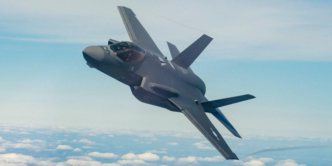 With stealth technology, advanced sensors, weapons capacity and range, the F-35 can collect, analyze and share data. A U.S. Government Accountability Office report—which did not specify any particular weapon system—says a number of cybersecurity tests prove U.S. military weapon systems to be vulnerable to cyber attacks. Photo: Lockheed Martin