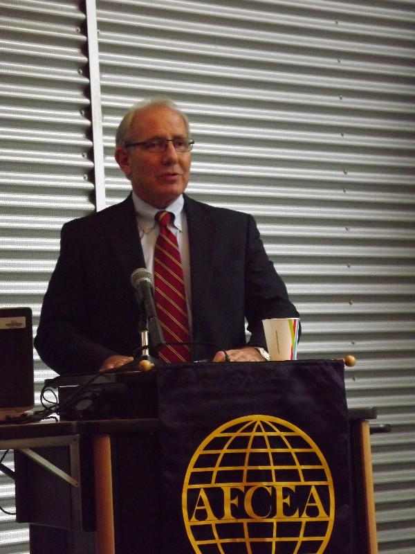 At the September luncheon, Roe discusses recent arctic communications initiatives.