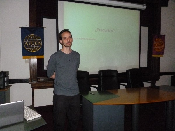 Fernando Monticeli, Ph.d., a member of the experimental group studying particles at the University of La Plata, gives a lecture during the chapter's November conference.