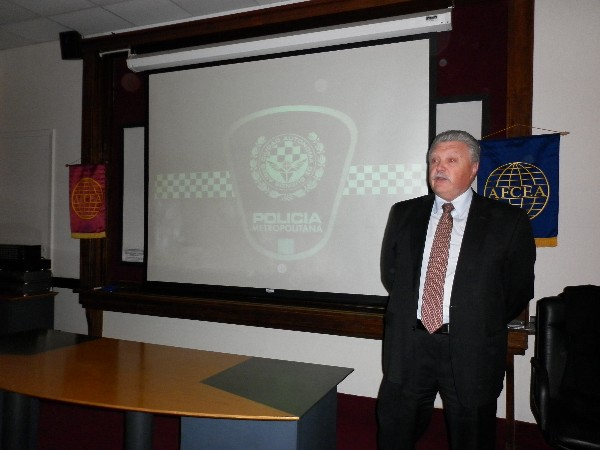 Eduardo Jorge Martino, chief superintendent of communications and technical services, Metropolitan Police, addresses the chapter at its August conference on public safety and biometrics.