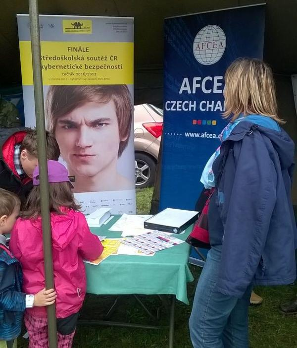 The chapter manned a table at the Children´s Day event at the Signal Corps in Lešany in September organized by the Cyber Security Working Group.