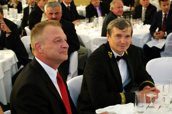 Gen. Vlastimil Picek, CZAF (Ret.), minister, Ministry of Defense of the Czech Republic, and Brig. Gen. Rudolf Urban, vice rector, University of Defense Brno, join together at a celebration of the chapter's 20th anniversary in May.