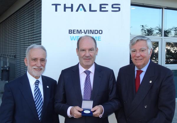 Joao Araujo, country director and CEO of Thales Portugal (c), receives the 2017 AFCEA Medal for Outstanding Services in December from Rear Adm. Carlos Rodolfo, PRT N (Ret.), regional vice president, Atlantic Region, and chapter chairman (r), and Rear Adm. Mario Durao, PRT N (Ret.), chapter president.