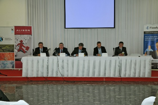 A panel during the Defence Fair-IDEB 2014 in May features (l-r): Kollarik; Schneider; Maj. Gen. Klaus-Peter Treche, DEUAF 9Ret.), general manager of AFCEA Europe, Martin Hromada, Technical University, Zlin; and Col. Marcel Harakal, vice rector, Armed Forces Academy of the Slovak Republic.