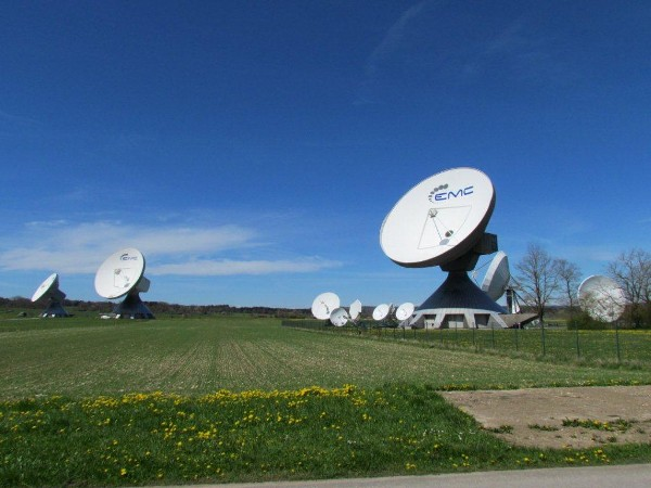 The chapter took a ride in April to visit the Raisting Satellite Earth Station complex and Telehouse.
