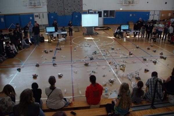 During the chapter's March Kanto Plains Robot Rumble, students from Tokyo-area schools compete in the Save the Universe Relay.