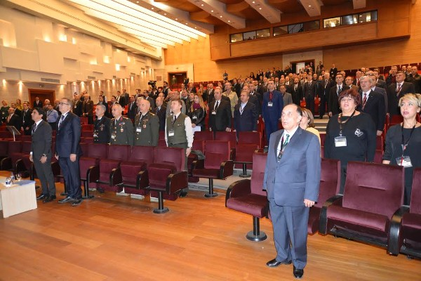 Participants take part in the opening ceremony of the 3rd Land Systems Seminar and Exposition in November.